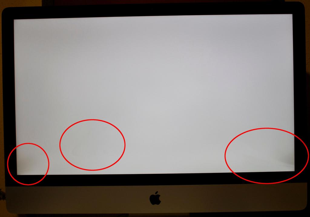 Чистка матриці iMac від пилу