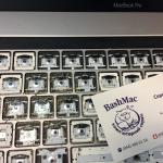 Чистка клавіатури MacBook Pro Touch Bar