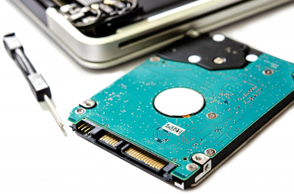 Ремонт HDD, відновлення даних з жорстких дисків