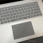 Лазерне гравіювання на пробілі Microsoft Surface