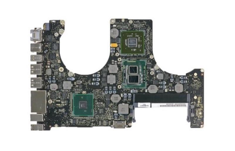 "MacBook Pro 15"" (2010) вимикається"